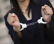 Νεαρά κορίτσια έκλεψαν 3.460€... αλλά δεν πρόλαβαν να τα χαρούν!