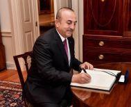 Ο Τσαβούσογλου απειλεί με πόλεμο Ελλάδα και Κύπρο: «Έχουμε κι άλλη επιλογή εκτός από τη διπλωματία»