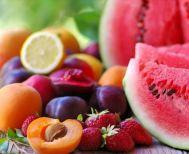 Πόσες θερμίδες έχουν δέκα καλοκαιρινά φρούτα
