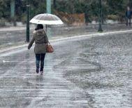 Συννεφιά και τοπικές βροχές την Τρίτη