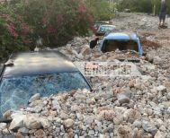 Κακοκαιρία «Ιανός»: Θάφτηκε από πέτρες και λάσπη το χωριό Ασσος στην Κεφαλονιά (Eικόνες)