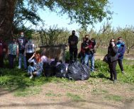 Δράση καθαρισμού στο εκκλησάκι του Αϊ Γιάννη στο Νησέλι από τη Λέσχη Κινηματογράφου ''Κινηματόδρασης''