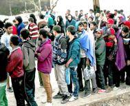 Με κλειστά κέντρα και 1.700 προσλήψεις «αναχαιτίζει» η κυβέρνηση το προσφυγικό-μεταναστευτικό