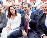 """Αλ. Τσίπρας: """"Η ιστορική απόφαση του Eurogroup καθιστά το χρέος βιώσιμο"""" Πανηγυρισμοί των ΣΥΡΙΖΑΝΕΛ χθες στο Ζάππειο"""