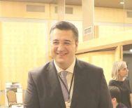 Στη Γενική Συνέλευση της ΕΝΠΕ  Απ. Τζιτζικώστας: «Αυτό που μας ενώνει   είναι η μετάβαση από την Περιφερειακή   Αυτοδιοίκηση στην Περιφερειακή Διακυβέρνηση»