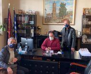 Αλλάζει όψη η Πλατεία στην Κουμαριά - Υπεγράφη η εκτέλεση έργου από τον Δήμαρχο Βέροιας και τον ανάδοχο εργολάβο
