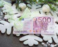 Ποιοι μπορούν να πάρουν έκτακτο κοινωνικό μέρισμα 1,5 δισ. ευρώ τα Χριστούγεννα