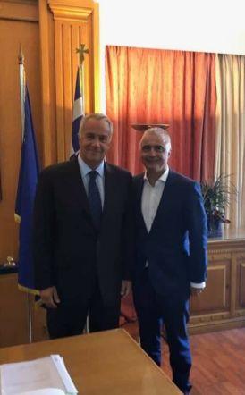 Λάζαρος Τσαβδαρίδης για τα επιτραπέζια ροδάκινα: Εισοδηματική ενίσχυση των παραγωγών, αναδιάρθρωση και δωρεάν διανομή