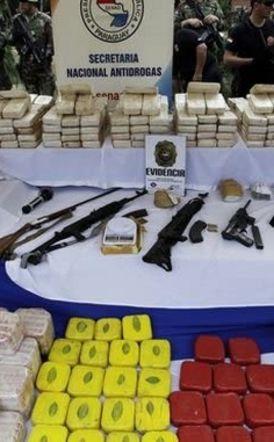 Νούμερα που... ζαλίζουν! Βρήκαν κοκαΐνη αξίας 500 εκατομμυρίων σε σακιά με κάρβουνα στην Παραγουάη!