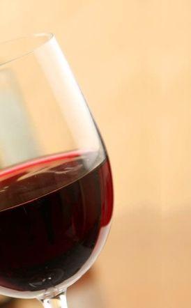 Το ΣΤΕ δείχνει τον δρόμο στην κυβέρνηση  για τον φόρο στο κρασί