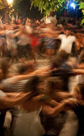 Πέτσας: Η κυβέρνηση ζήτησε την άμεση απαγόρευση πανηγυριών έως τουλάχιστον το τέλος Ιουλίου - Τα τέσσερα νέα μέτρα