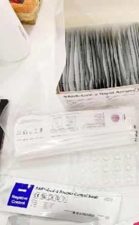 Στους φαρμακοποιούς η «αρμοδιότητα» συναρμολόγησης των self test σε πακετάκια, για τους πελάτες