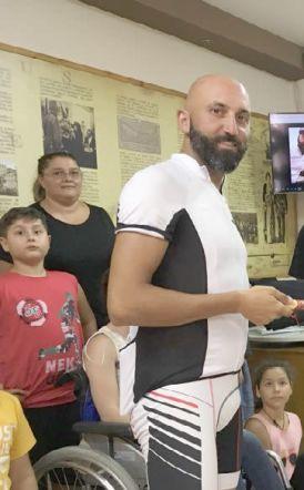 Ο ποδηλάτης   Βασίλης Καρυοφιλλίδης στην Εύξεινο Λέσχη Χαρίεσσας