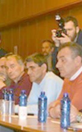 Συνεχίζουν τον αγώνα οι αγρότες μετά την άκαρπη συνάντησή τους με 4 συναρμόδιους υπουργούς