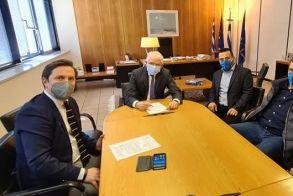 Οι εκτεταμένες ζημιές στις καλλιέργειες του Δήμου Νάουσας στο επίκεντρο της συνάντησης του Δημάρχου Nάουσας με τον Πρόεδρο του ΕΛΓΑ
