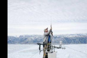 Ο πλανήτης εκπέμπει SOS: Πάνω από το 40% των πάγων της Γροιλανδίας έλιωσε σε μόλις μία εβδομάδα