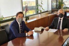 Συνάντηση του Δημάρχου Νάουσας με τον Υφυπουργό Χωροταξίας και Αστικού Περιβάλλοντος Νίκο Ταγαρά