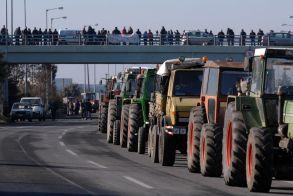 Πανελλαδική Επιτροπή Μπλόκων: Κάλεσμα σε αγρότες και κτηνοτρόφους για νέους αγώνες - Τα συμπεράσματα της πανελλαδικής σύσκεψης στη Λάρισα