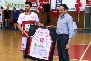 Ημέρα γιορτής για την ομάδα μπάσκετ του Φιλίππου και τη Novacert