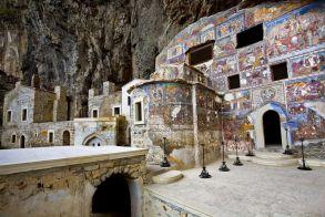 Αναβάλλεται και πάλι το άνοιγμα της ιστορικής μονής Σουμελά στην Τραπεζούντα