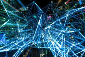 Έπεσαν οι υπογραφές για το 5G - Επισήμως πλέον στην εποχή των δικτύων 5ης γενιάς