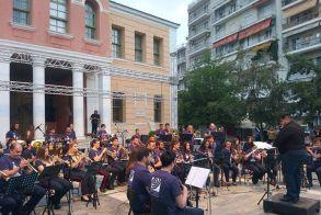 Η Φιλαρμονική σε ρυθμούς Balkan στην πλατεία Ωρολογίου