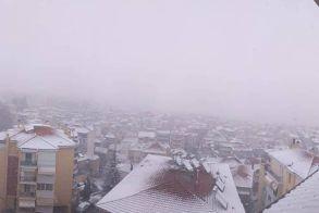 Με πυκνό χιόνι ξύπνησε η Βέροια!
