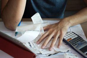 Πόσο μειώνονται οι ασφαλιστικές εισφορές για ελεύθερους επαγγελματίες