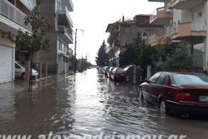 Ποτάμια οι δρόμοι της Αλεξάνδρειας! Βίντεο