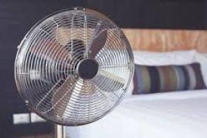 Οι ηλεκτρικοί ανεμιστήρες μπορούν να κάνουν κακό στην υγεία όταν υπάρχει ζέστη αλλά με μικρή υγρασία