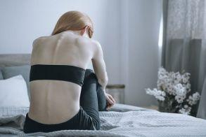 Νευρική ανορεξία: Πώς συνδέεται με τον μεταβολισμό