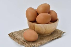 Τελικά πόσο καιρό μπορούμε να διατηρήσουμε τα αυγά στο ψυγείο;