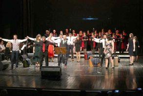 Πραγματοποιήθηκε η μουσικοθεατρική παράσταση «Δεν γεννήθηκα για να μισώ, αλλά για ν' αγαπώ» από τον Έρασμο