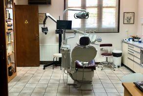 ΛΑΟΣ ΑΓΓΕΛΙΕΣ - Πωλείται οδοντιατρείο ως επιχείρηση, πλήρως εξοπλισμένο, με συνεχή 40ετή λειτουργία, λόγω επικείμενης συνταξιοδότησης