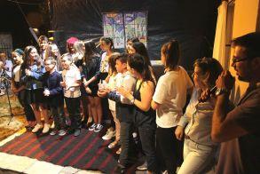Μάγεψε η θεατρική ομάδα νέων του Π.Ο. Ξηρολιβάδου