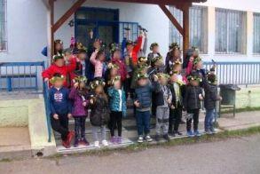 Το 8ο Δημοτικό Σχολείο Βέροιας ανήγγειλε τον ερχομό της άνοιξης με το έθιμο «Χελιδονίσματα»