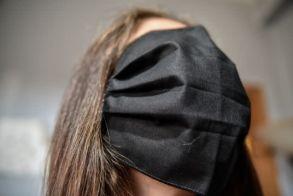 Το νέο σκόιλ ελικίκου  με τις μάσκες «πλήττει»  την κυβέρνηση