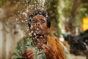 Ινδία: Πρωτοφανής καύσωνας με δεκάδες νεκρούς σε 24 ώρες