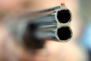 Άνδρας πυροβόλησε με καραμπίνα σε επιχείρηση στην Γέφυρα Θεσσαλονίκης