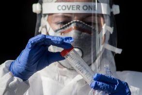 Κορωνοϊός: Εγκρίθηκε το πρώτο φάρμακο αντισωμάτων - Ποιους ασθενείς αφορά