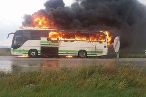 Κεραυνός χτύπησε λεωφορείο γεμάτο επιβάτες στον Έβρο