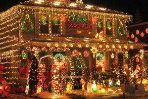 Xριστουγεννιάτικα λαμπάκια. Πόσο ''φουσκώνουν'' τον λογαριασμό του ρεύματος