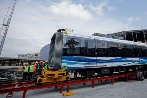 Θεσσαλονίκη: Αγνώριστα έκαναν άγνωστοι τα ολοκαίνουργια βαγόνια του μετρό!!