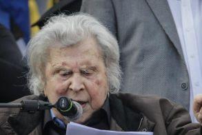 Θεοδωράκης σε βουλευτές: Μην κάνετε έγκλημα σε βάρος της Ελλάδας