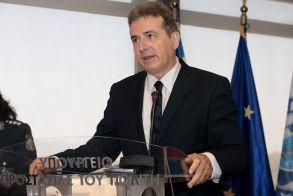 Ο Χρυσοχοΐδης «πήρε τ' όπλο του» και ξήλωσε όλους τους επίορκους αστυνομικούς