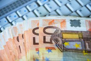Επιχορήγηση έως και 800 ευρώ το μήνα σε επιχειρήσεις