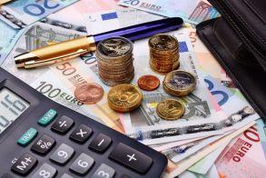 Μέσα στην εβδομάδα οι τρεις πρώτες ρυθμίσεις στη φορολογία
