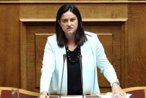 Υπουργός Παιδείας: Δε γίνεται να αποφοιτά κάποιος απο ΑΕΙ 30 χρόνια μετά - Τι είπε για το άσυλο και την ετοιμότητα των σχολείων