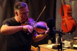 Πέθανε από κορονοϊό ο βιολιστής Ζήσης Κασιάρας – Ήταν συνεργάτης διάσημων τραγουδιστών