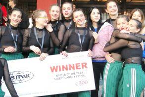Ασημένιο μετάλλιο για την  ομάδα Hip Hop του  Φιλίππου Βέροιας και ... πρόκριση στο Παγκόσμιο διαγωνισμό χορού στην Αμερική!